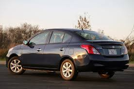 2012 nissan versa sedan w video autoblog