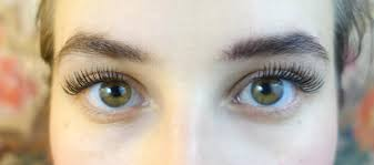 how to apply false lashes for a more natural look