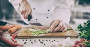 cuisine trucs et astuces 12 astuces que les cuisiniers professionnels utilisent à la maison