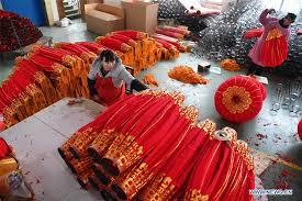 lanterns new year make lanterns for lunar new year xinhua