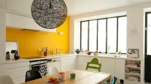vorschläge für wandgestaltung originelle küche in weiß un gelb wandfarben vorschläge