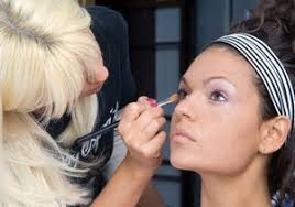 how to become makeup artist becoming a makeup artist