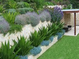 Top  Best Retaining Wall Gardens Ideas On Pinterest Garden - Wall garden design