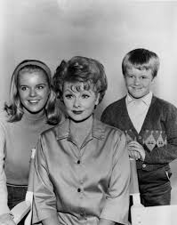 Lucille Ball I Love Lucy New Lucille Ball Statue Replaces U201cscary Lucy U201d Wtkr Com