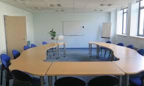 location de bureau à la journée salle de réunion location à la journée bureau étienne