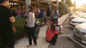 sawgrass mills mall flooded with shoppers