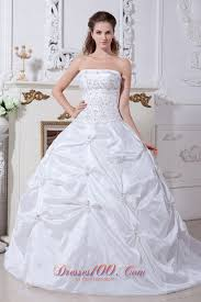 white witer ball gown wedding dress embroidery pick ups top