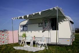the beautiful daisy caravan