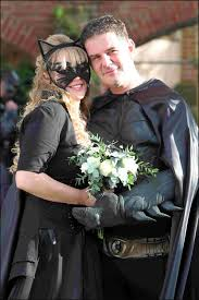 batman marries catwoman in superhero wedding daily echo