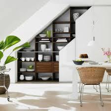 cuisine sous pente cuisine sous escalier photos de design d intérieur et décoration