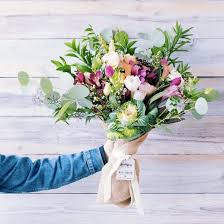 order flowers for delivery best 25 s day flower delivery ideas on