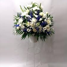 Tiffany Blue Flowers Blue And White Muscari Ranunculus This Is A Must Make Looks So