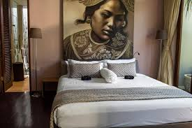 Charming Girl Bedroom With Bali Dancer Painting Contemporary - Bali bedroom design