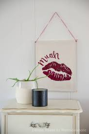 Valentine S Day Wall Decor by Remodelaholic Diy Valentine U0027s Day Wall Hanging