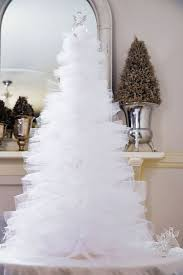 try something different and make this white tulle tree
