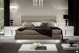 chambre laqué blanc brillant chambre a coucher blanc laque brillant cadre de lit tte de lit laqu