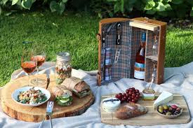 Wine And Country Baskets The Perfect Wine Country Picnic Basket Perseus Winery