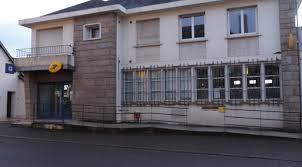 fermeture des bureaux de poste polémique sur la fermeture du bureau de la poste de bais le
