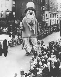 the 89 year evolution of the macy s thanksgiving day parade ieyenews
