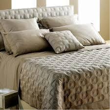 couvert lit couvre lit en crochet et satin 2123 wingitwith us