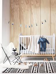 chambre bebe design scandinave lit bébé à barreaux confetti blanc vertbaudet