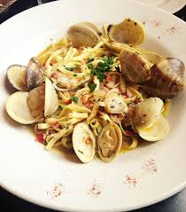 linguine con vongole clams onion pancetta spicy pepper and