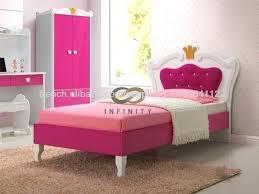 chambre a coucher enfants chambre a coucher enfant lit bas enfant decoration chambre a coucher