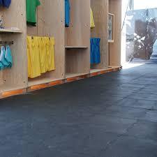 interlocking floor tiles rubber amazon com rubber cal puzzle lock interlocking floor tiles
