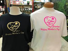 s day personalized gifts show this s day with personalized gifts midtown