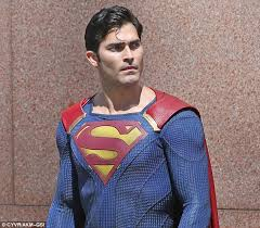 tyler hoechlin superman debut cw u0027s supergirl daily