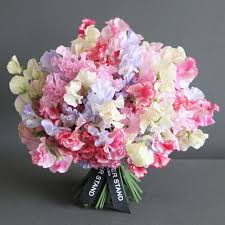 sweet peas flowers scented sweet peas bouquet sweet peas same day flowers