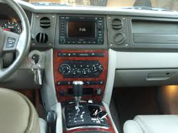 jeep commander 2010 view of jeep commander limited 4x4 photos video features and