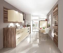 cuisine bois laqué cuisine contemporaine en bois laquée helle speed 206 nobilia