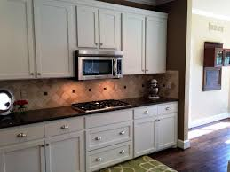 pictures of kitchen cabinets with hardware kitchen cabinet hardware trends ideas
