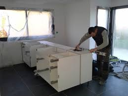 pose plan de travail cuisine pose de la cuisine mesures du plan de travail en granit fleury13