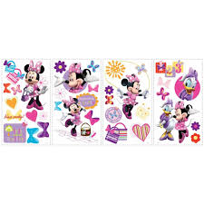 amazon com minnie mouse and friends bowtique disney mega decal amazon com minnie mouse and friends bowtique disney mega decal pack includes 1 giant wall decal 17 pieces and 33 bow tique wall decals home kitchen