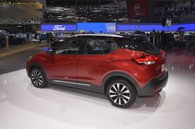 nissan kicks 2017 red nissan kicks has its work cut out in subcompact segment