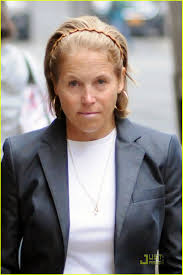 hairstyles of katie couric katie couric pharmacy pickup with daughters photo 2520871