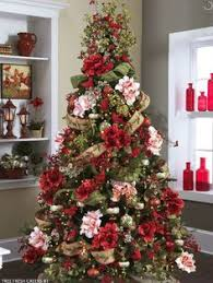 35 christmas décor ideas in traditional red and green digsdigs