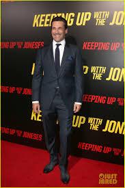 Keeping Up With The Joneses Gal Gadot U0026 Jon Hamm Premiere U0027keeping Up With The Joneses U0027 Photo