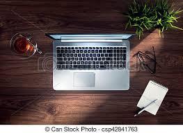 ordinateur portable de bureau bois ordinateur portable haut argent bureau fin image de