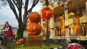 mickey u0027s halloween party 2015 halloween time at disneyland resorts