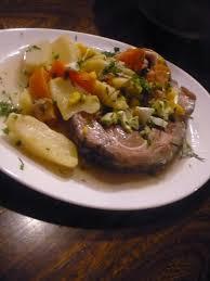 cuisiner tete de veau recette tête de veau roulée aux pommes de terre carottes recette