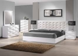 warm bedroom designs with white furniture 16 1000 images about