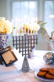 hanukah decorations using blue and white chinoiserie for hanukkah decorations