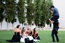 photographer for wedding what should a wedding photographer wear plus ideas
