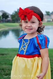 easy to sew snow white peasant dress for halloween or dress up