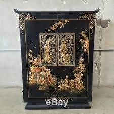 Asian Bar Cabinet 1940 S Asian Motif Rolling Laquered Bar Cabinet Rfh6an