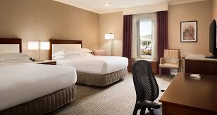 hotels with 2 bedroom suites in st louis mo hilton st louis frontenac hotel near creve coeur mo