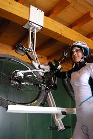 flat bike lift or park your bicycle on ceiling video